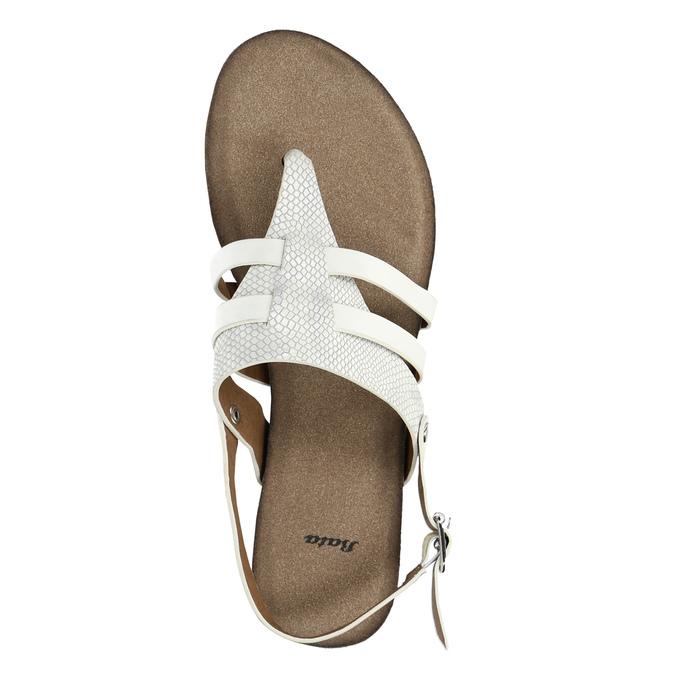 Korkowe sandały zpaskiem między palcami bata, biały, 561-1606 - 19