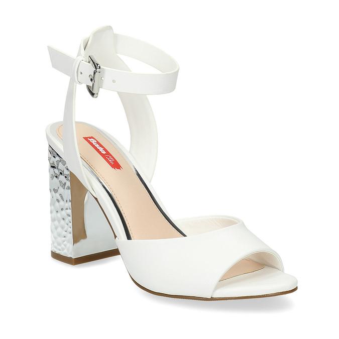 Białe sandały na srebrnych słupkach, 761-5619 - 13