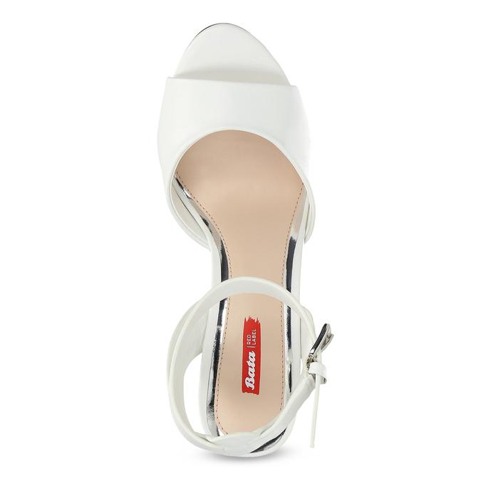 Białe sandały na srebrnych słupkach, 761-5619 - 17