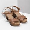 Brązowe skórzane sandały na drewnianych obcasach comfit, brązowy, 666-4624 - 26