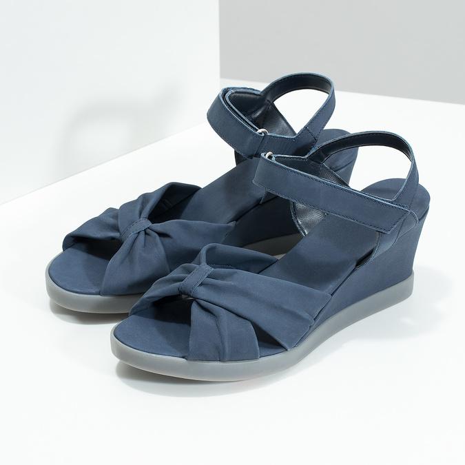 Granatowe skórzane sandały na koturnach flexible, niebieski, 666-9617 - 16