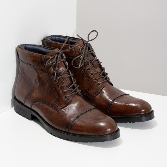 Brązowe błyszczące obuwie męskie za kostkę bata, brązowy, 896-3720 - 26