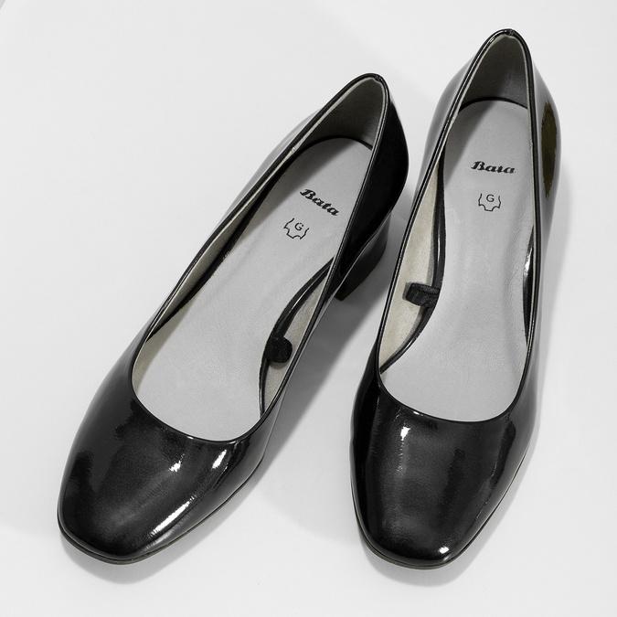 Czarne lakierowane czółenka damskie oszerokości G bata, 621-9657 - 16