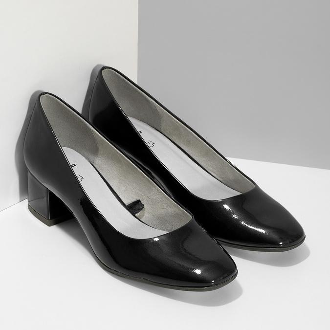 Czarne lakierowane czółenka damskie oszerokości G bata, 621-9657 - 26
